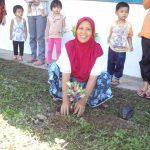初めての村で植林
