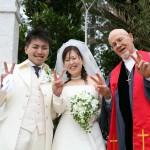 結婚式、神父さんと一緒に①